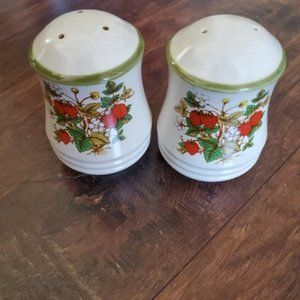 Vintage Strawberry Stoneware Salt & Pepper Shakers